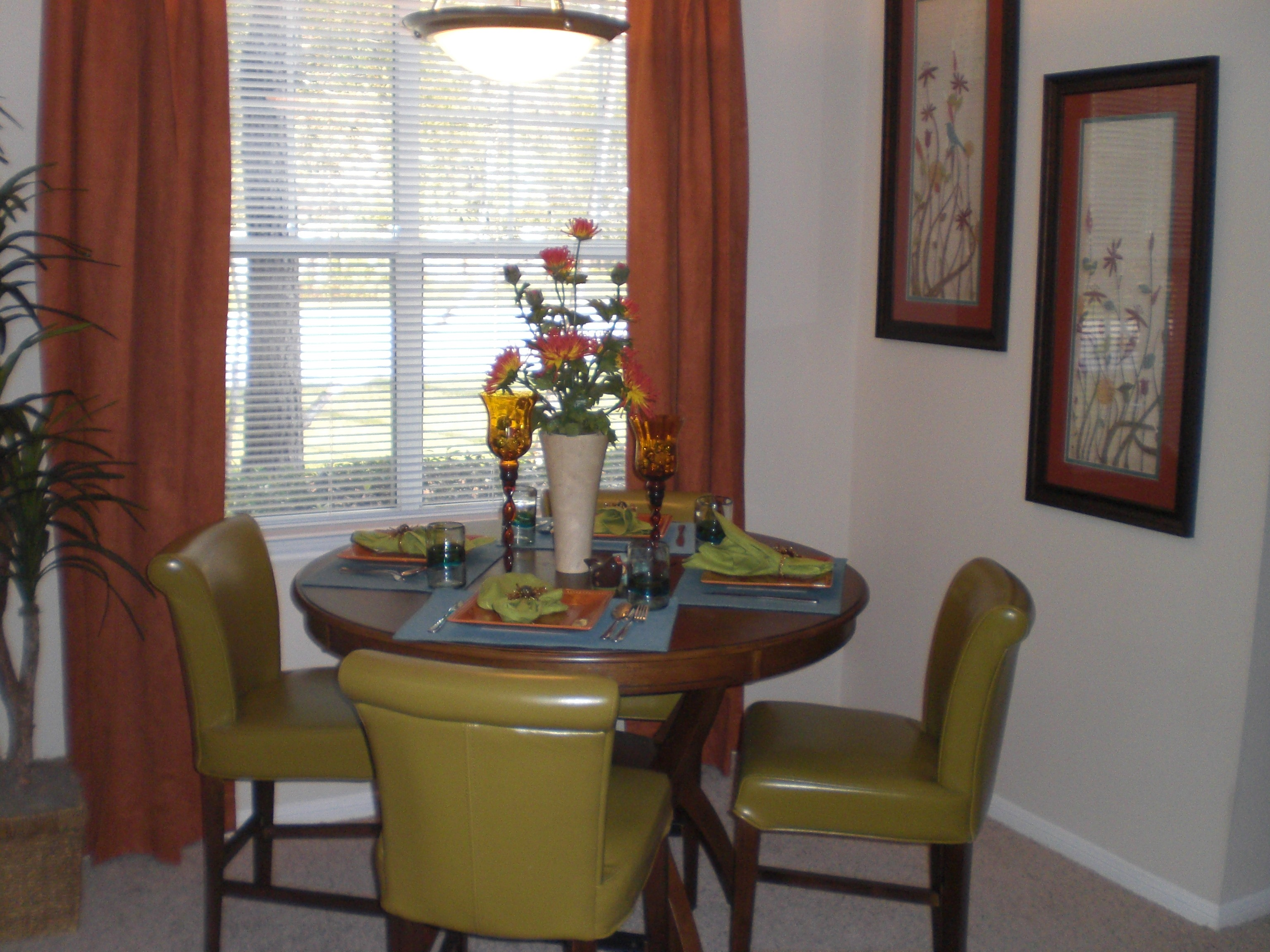 2 bed dining