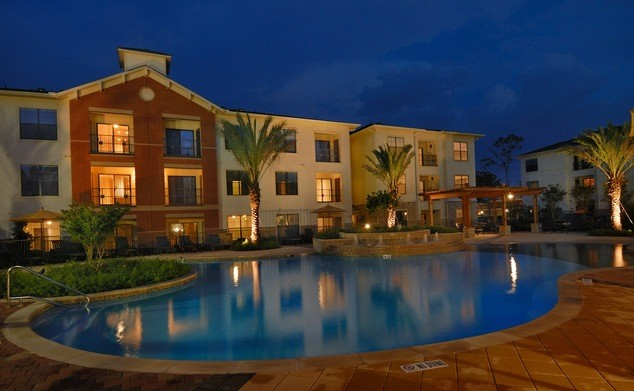 Resort Pool apartment in the woodlands tx