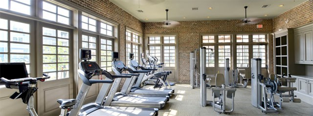 fitness center apartment in the woodlands