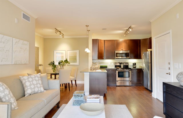 hardwood floors apartment in the woodlands