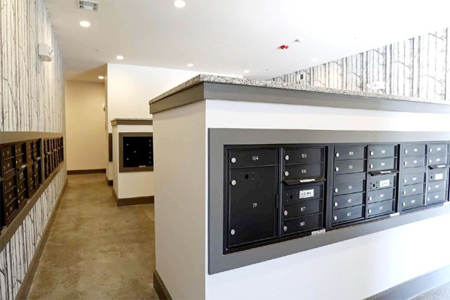 mailroom apartment in the woodlands